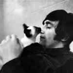 Джон Леннон и его кошки