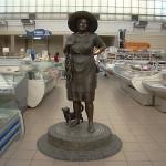 Памятник тёте Соне в Одессе