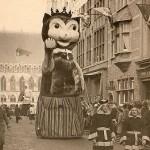 Парад кошек Kattenstoet в Бельгии после Второй мировой войны